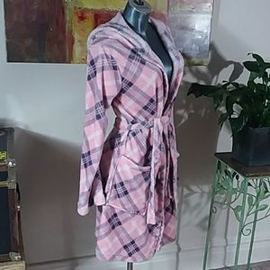 BOBBIE BROOKS sleepwear fuzzy soft pink plaid hood